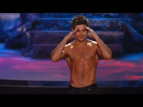 Zac Efron WINS Best Shirtless Performance MTV Movie Awards