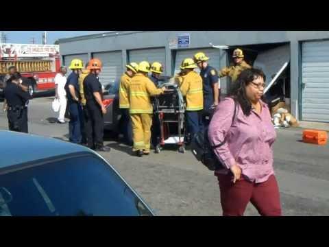 Old Lady Crash Car into Garage in Inglewood, CA (9-17-13)