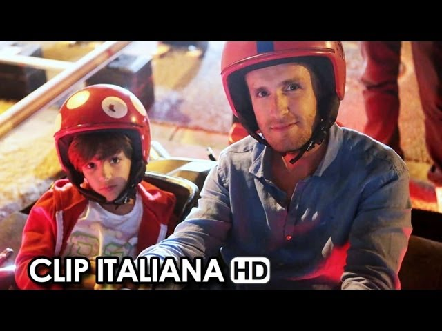Babysitting Clip Italiana 'In ascensore' (2014) - Julien Arruti, Tarek Boudali Movie HD