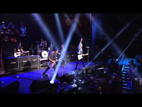 APMAs 2015: All Time Low open the 2015 APMAs with a medley of classics!