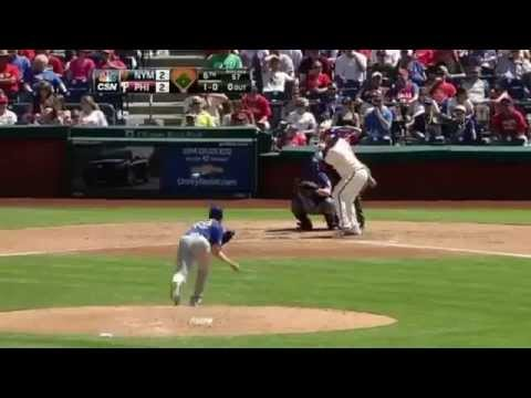 MLB Player Marlon Byrd揮棒落空  球棒瞬間分解