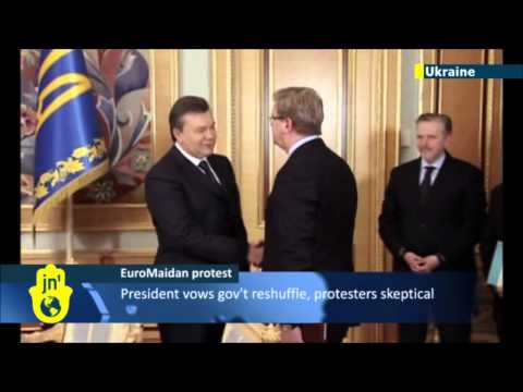 Ukraine Protests: Ukrainian President Viktor Yanukovych offers government reshuffle compromise
