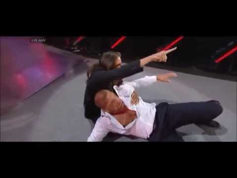 WWE Monday Night Raw - Daniel Bryan attacks Triple H | 31/03/2014