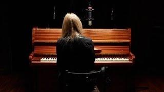 """Шура Кузнецова - Молчи и обнимай меня крепче Live _ OST """"Отель Элеон"""" Скачать клип, смотреть клип, скачать песню"""