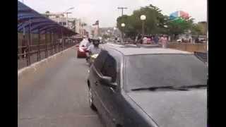 Acidente envolvendo ônibus que faz transporte público em Nanuque para o trânsito na principal ponte da cidade.