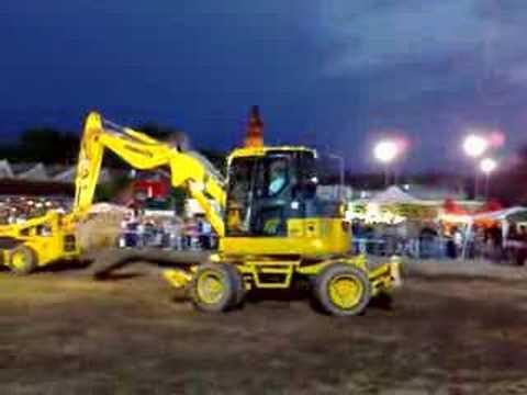 Escavatori in azione al MotorWeekEnd 2008