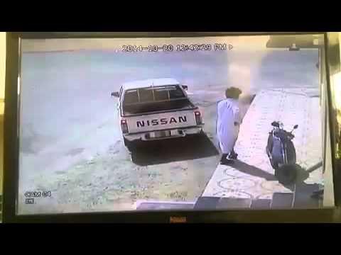 كميرة محل ترصد محاولة سرقة دراجة نارية
