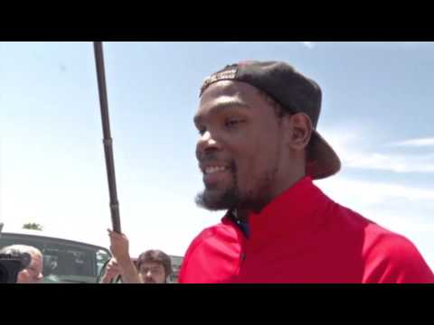 Raw: Kevin Durant Tours Moore After $1M Pledge