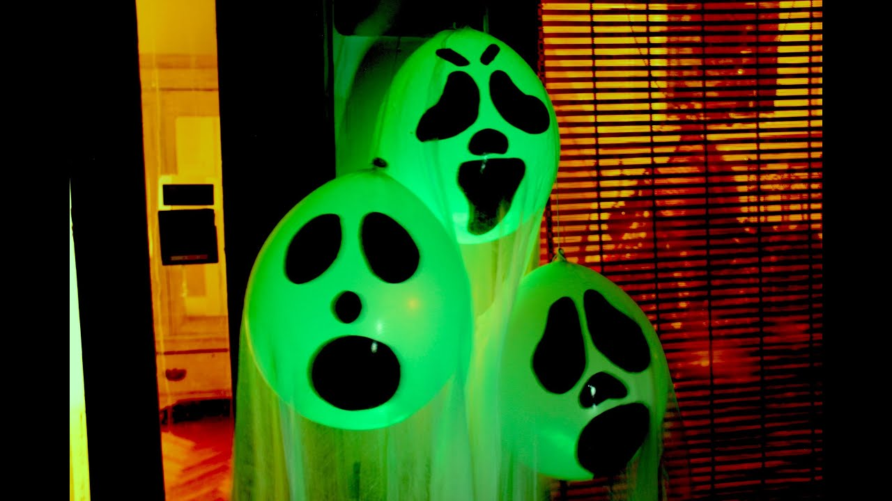 Diy halloween ghost glow balloons yard decorations for Balloon decoration ideas youtube