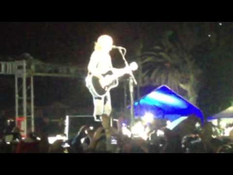 Foo Fighters - Blackbird & Times Like These (Mexico 11/12/13)