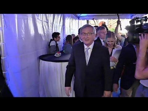 Commissione UE: Merkel conferma appoggio a Juncker, ma difficoltà esistono