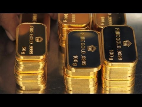 Gold Moving Higher as Investors Flee to Safety on NASDAQ Meltdown