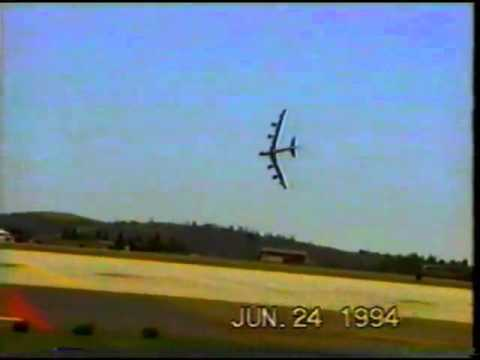 B52 vượt quá giới hạn bay nên RƠI năm 1994
