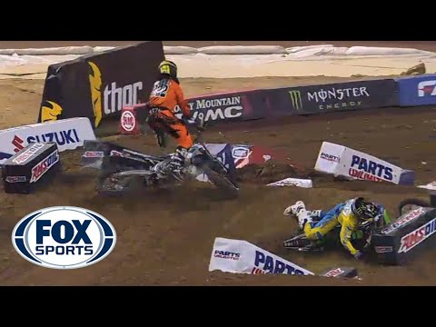 Chris Howell and Valentin Teillet Big Crash @ 2014 AMA Supercross Phoe