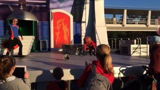 Elastigirl's Face Falls Off - Disney, Florida 16/1/2014