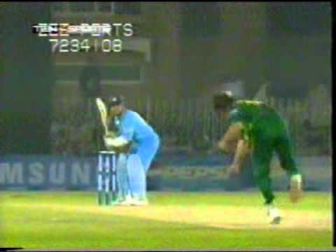 Shoaib Akhtar Best Bowling Action Part 2/3