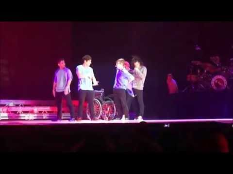 Bloopers (2011 live concert tour), Some bloopers during the tour. But these casts are amazing! they managed to be cute even with those bloopers. -- credits: bulletdove KrliTTaa Tumadre520 Bitt...