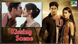 Passionate Kissing Scene Prateik Babbar & Amyra Dastur