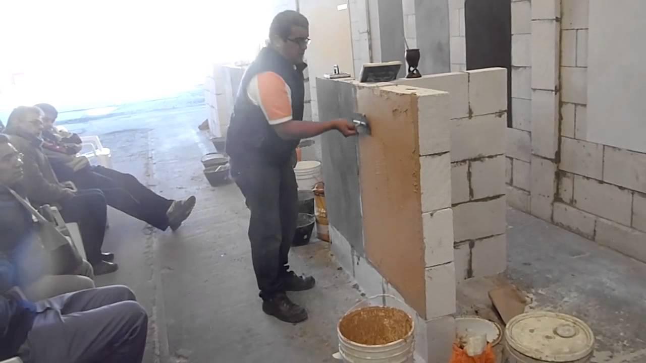 Revestimiento plastico retak youtube for Revestimiento plastico para paredes