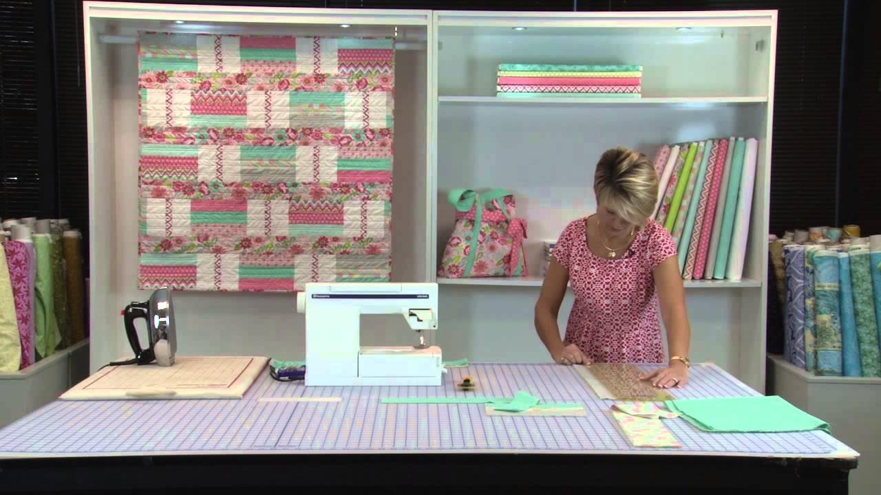 Quiltologie- 1 Strip Piecing - SWEET PEA QUILT - YouTube
