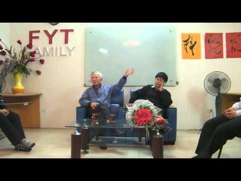 Bác Vũ Khoan nói chuyện với sinh viên về ngoại giao