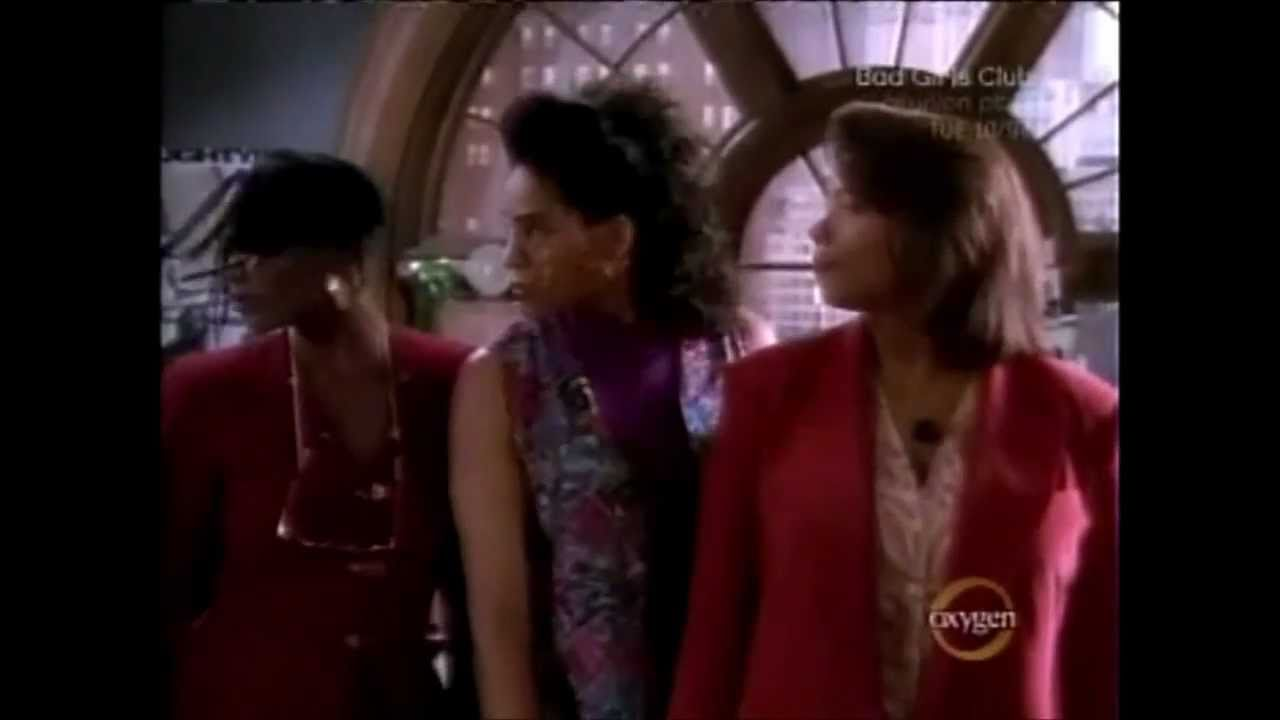 Quot Living Single Quot Theme Song Season 1 Intro Youtube