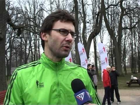 Смотреть видео В Вентспилсе гостил рижский марафон «Нордеа»