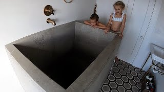 THE DEEPEST BATH TUB IN THE WORLD!