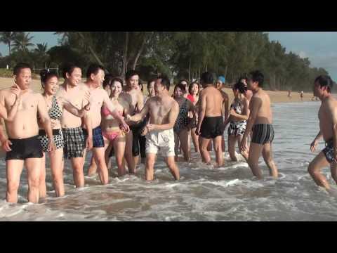 sexy tap  the tai bai bien phuket thai lan 2