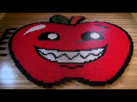 Applewar Pictures in 8,000 Dominoes!