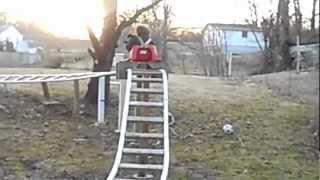 Pai Engenhoso Cria Montanha Russa Para Seu Filho Brincar