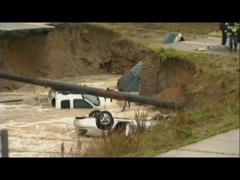 Massive floods in Boulder, Colorado cause road to collapse