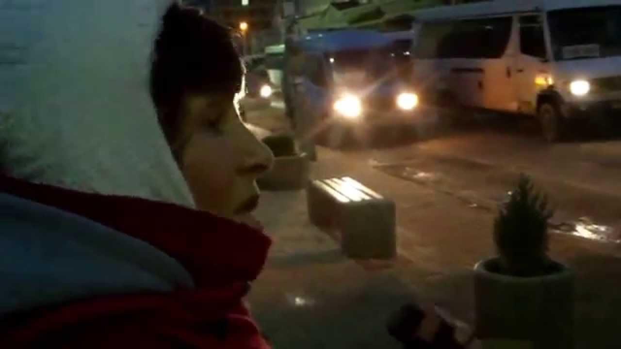 Șoferul a agresat-o pentru că-i filma numerele murdare