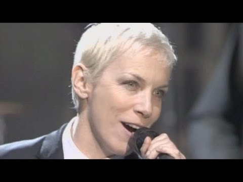 Eurythmics - Sweet Dreams (Are Made of This). LIVE 2005