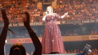 بالفيديو.. المغنية العالمية أديل تثير إعجاب جمهورها بهذا العمل الرائع على خشبة مسرح أضخم حفل لها في أستراليا |