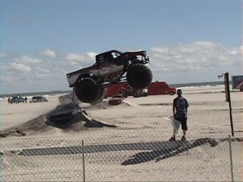 wildwood #1 monster trucks on beach sept 2013