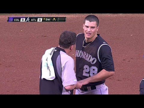 COL@ATL: Arenado hurts finger on double, leaves game