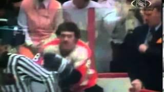 Hockeyfighters.cz Serge Savard Vs Dave Schultz.wmv