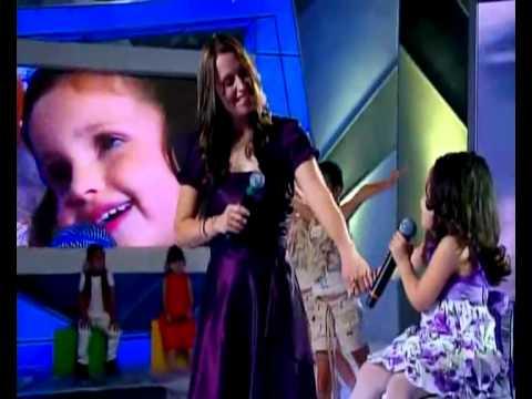 Homenagem Dia das Mães Milena canta com sua mãe no Programa Raul Gil