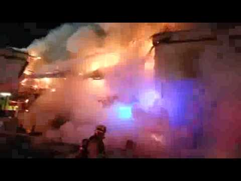 Close call for LAFD at strip mall fire