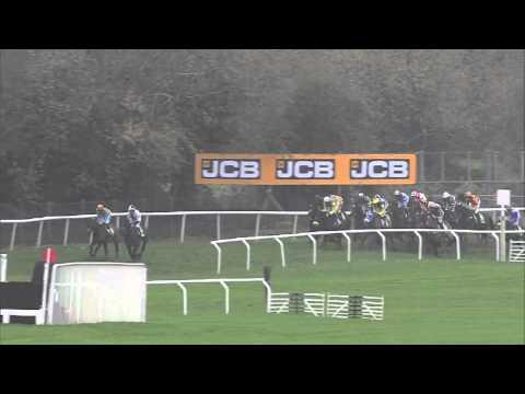 Vidéo de la course PMU THE STANJAMES.COM GREATWOOD HURDLE RACE (HANDICAP)