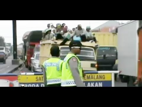 10 Polisi DItangkap, Lakukan Pungli di Jembatan Comal - Jawa Tengah