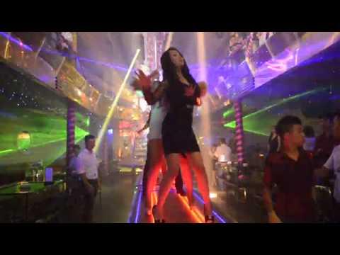 Cận cảnh gái nhảy ăn chơi trong Bar lớn nhất Việt Nam ( Phần 4 )