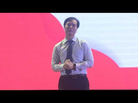 START-UP NEEDS AN ATTITUDE | Hiếu Phạm | TEDxUEH