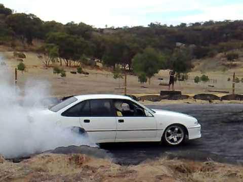 vs v6 supercharged commodore burnout