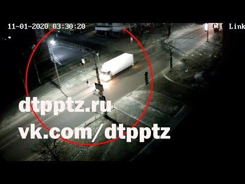 Ночью на проспекте Александра Невского сбили пешехода