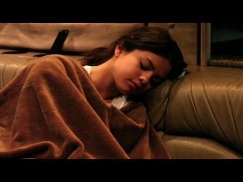 Selena Gomez Passed Out While Recording Songs For Justin Bieber - She Is So Cute