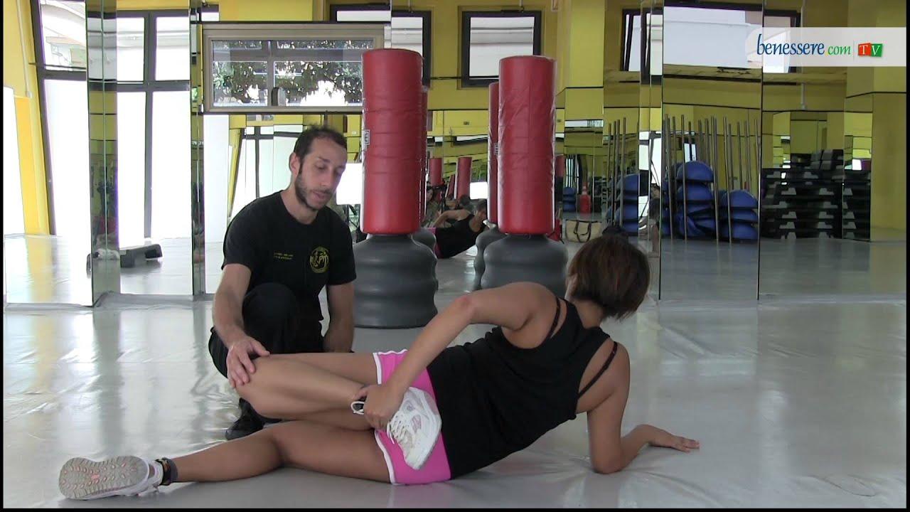 Come scolpire i bicipiti i muscoli ischiocrurali della - Palestra a casa esercizi ...