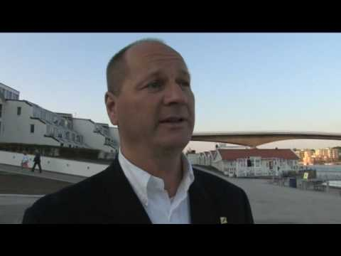 Gurra Krantz intervjuas under Bluewater invigning