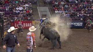 TOP BULL: Seven Dust takes out Kaique Pacheco (PBR)